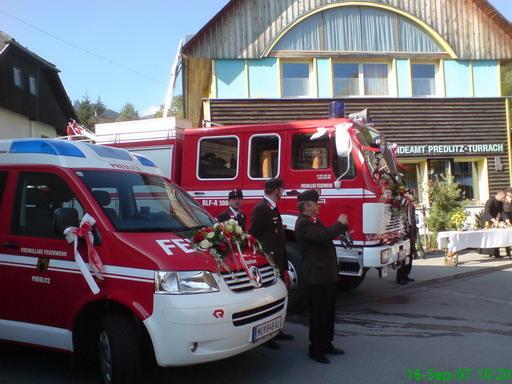 verkehrsunfall auf der b95 traktorunfall in bundschuh weitere foto im fotoalbum fandeluxe Images